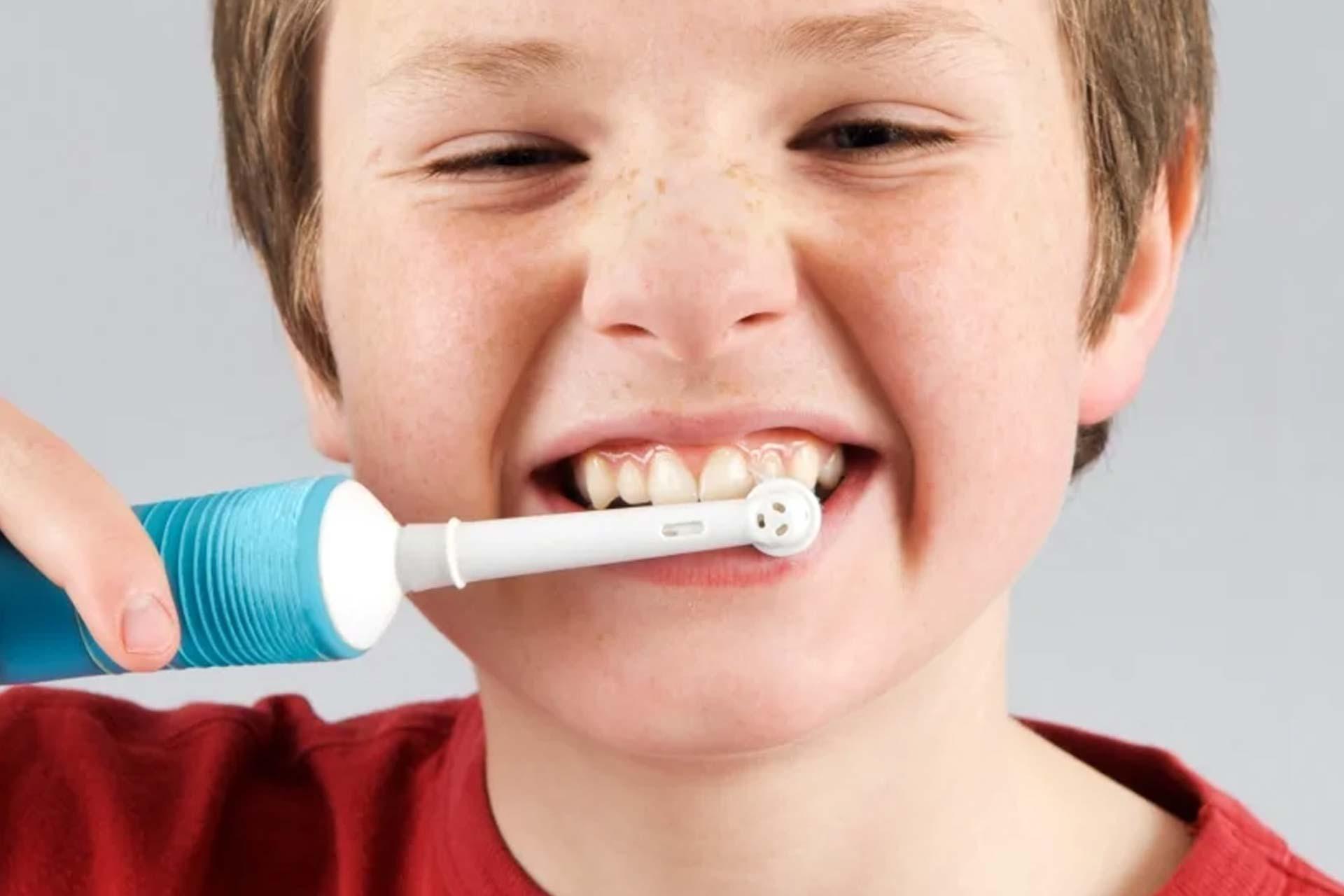 Выбираем зубную щетку ребенку